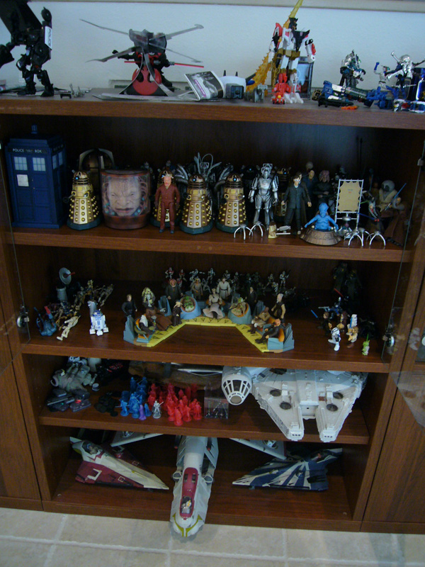 Below is the Jedi Council and Star Wars vehicles in figure scale.